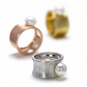 anillos-anchos-con-perla-en-medio-de-petrai